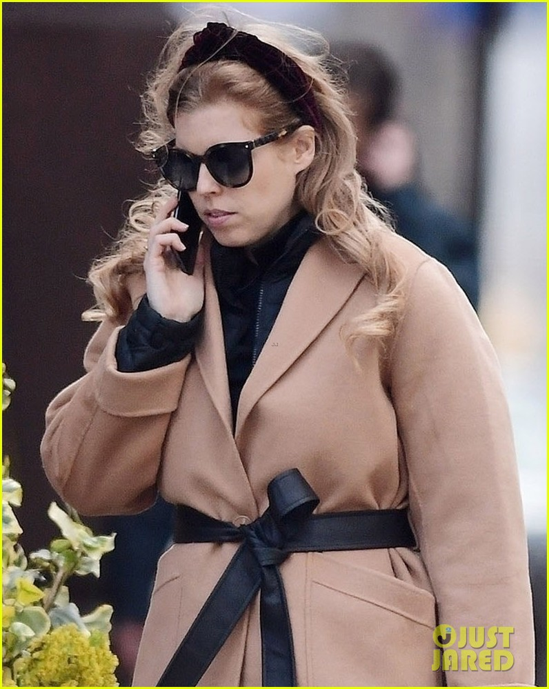 princess beatrice sports chic outfit for lunch with friend 014553233