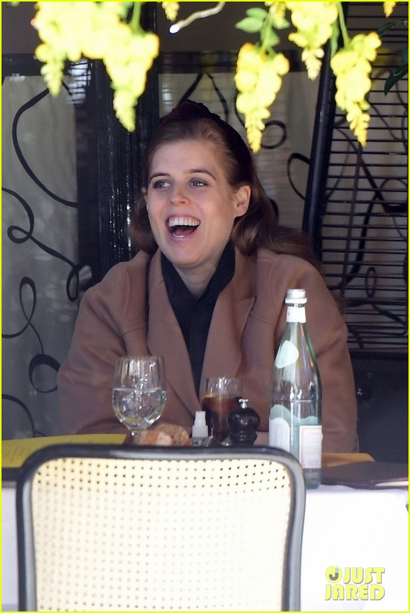princess beatrice sports chic outfit for lunch with friend 034553235