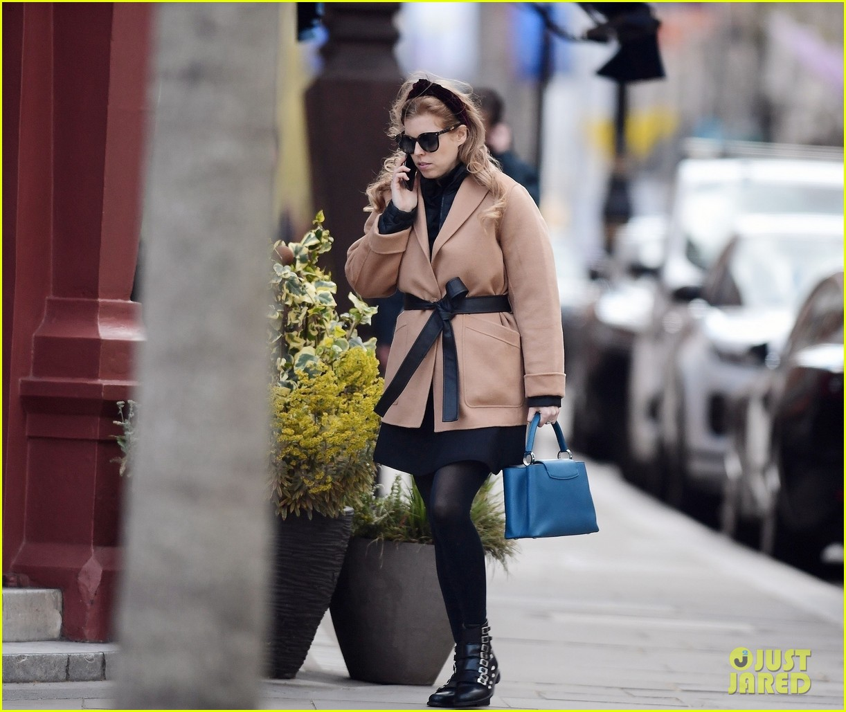 princess beatrice sports chic outfit for lunch with friend 044553236
