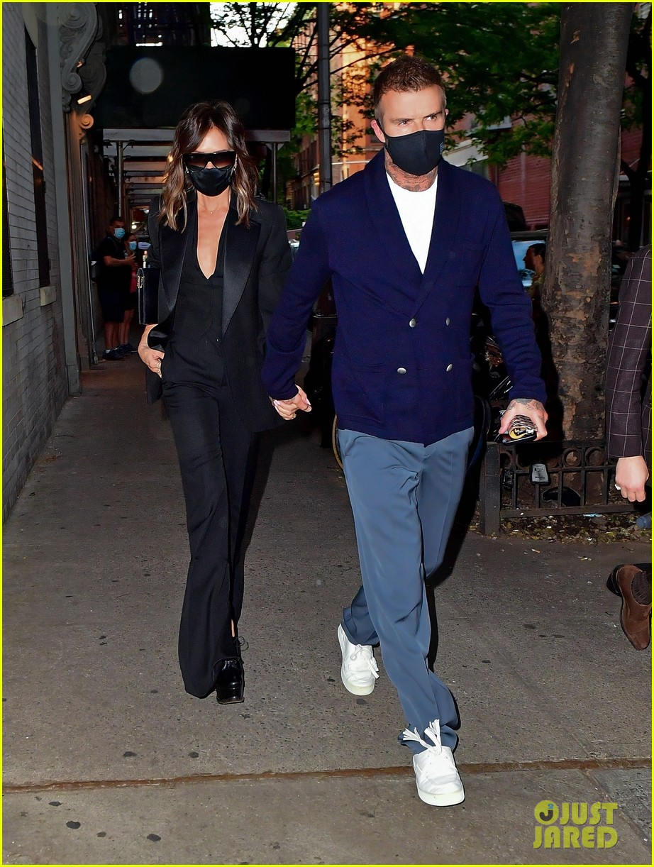 david victoria beckham leave nyc hotel for dinner date 014560756