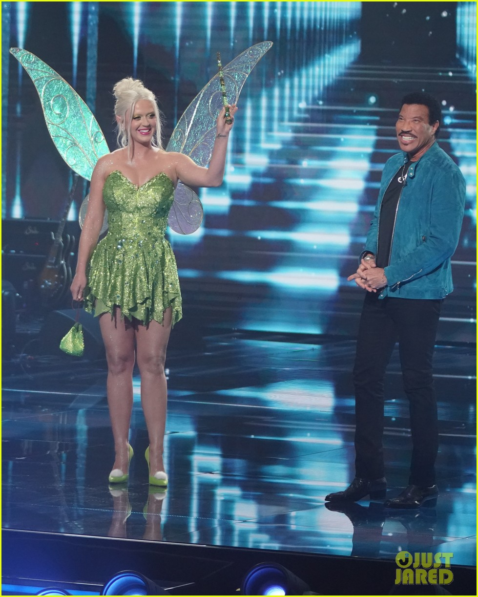 katy perry dresses as tinker bell for disney night american idol 034551212
