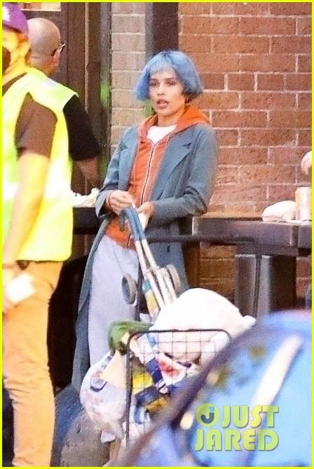 zoe kravitz blue hair filming movie kimi in la 034550968