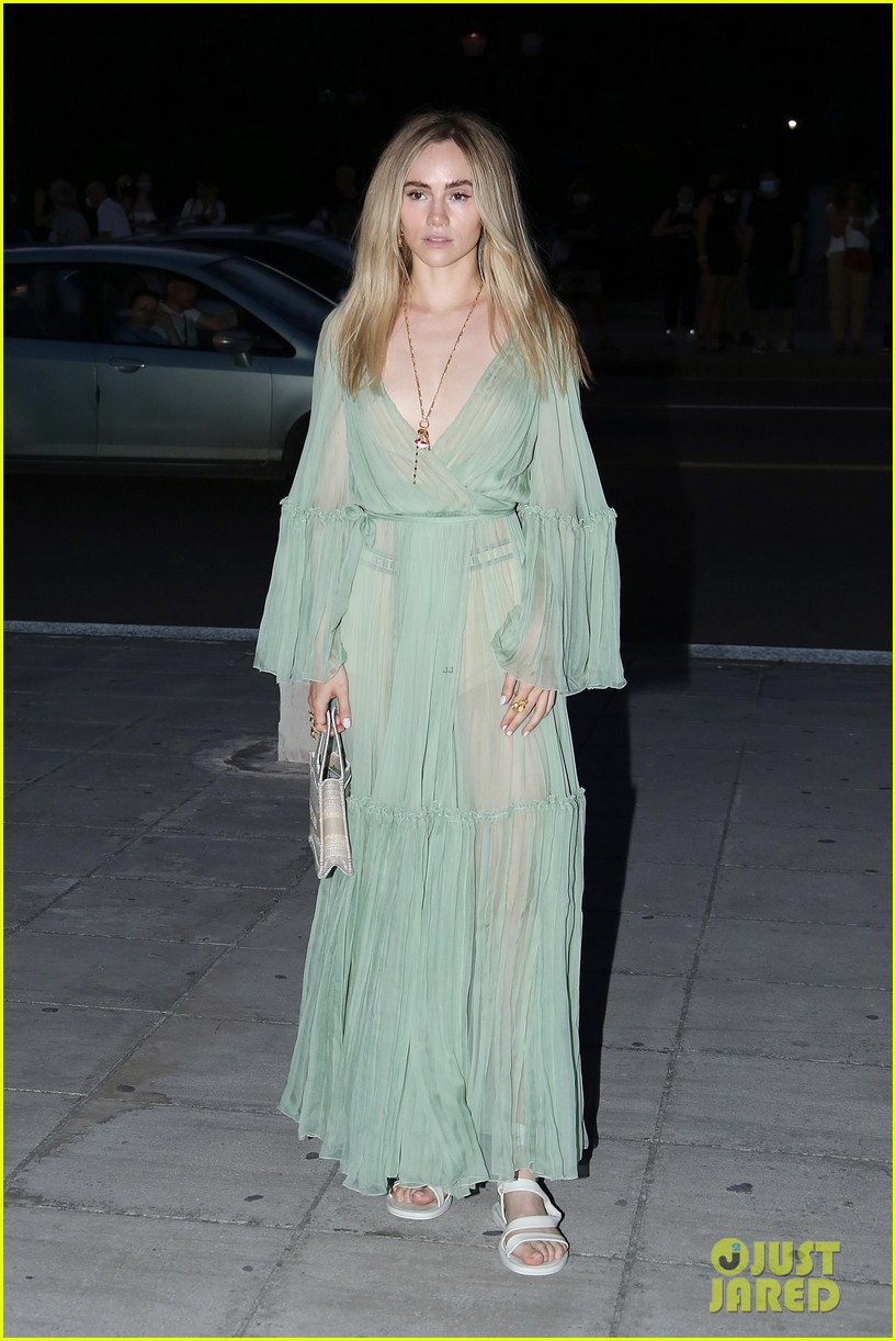 anya taylor joy dior fashion show greece 054572074