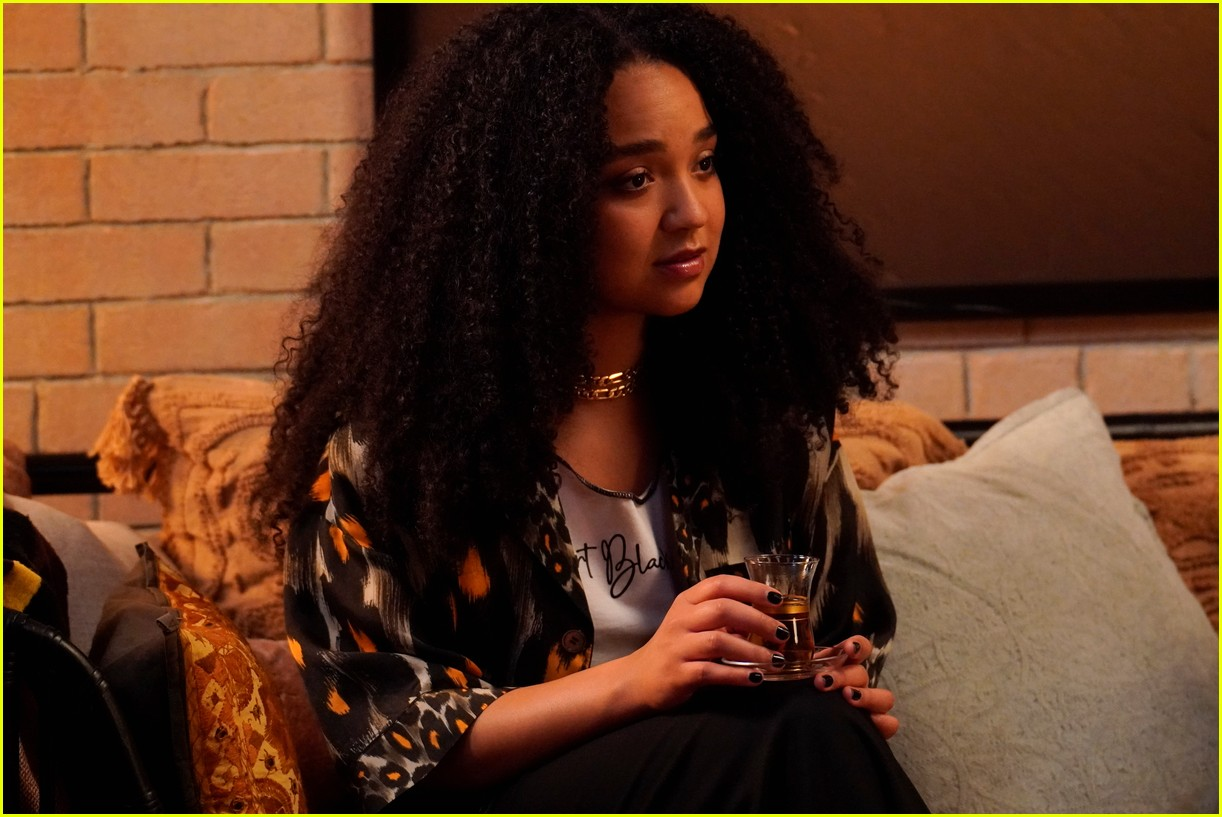 the bold type adds a nod to melora hardins past tv work into tonights episode 134566815