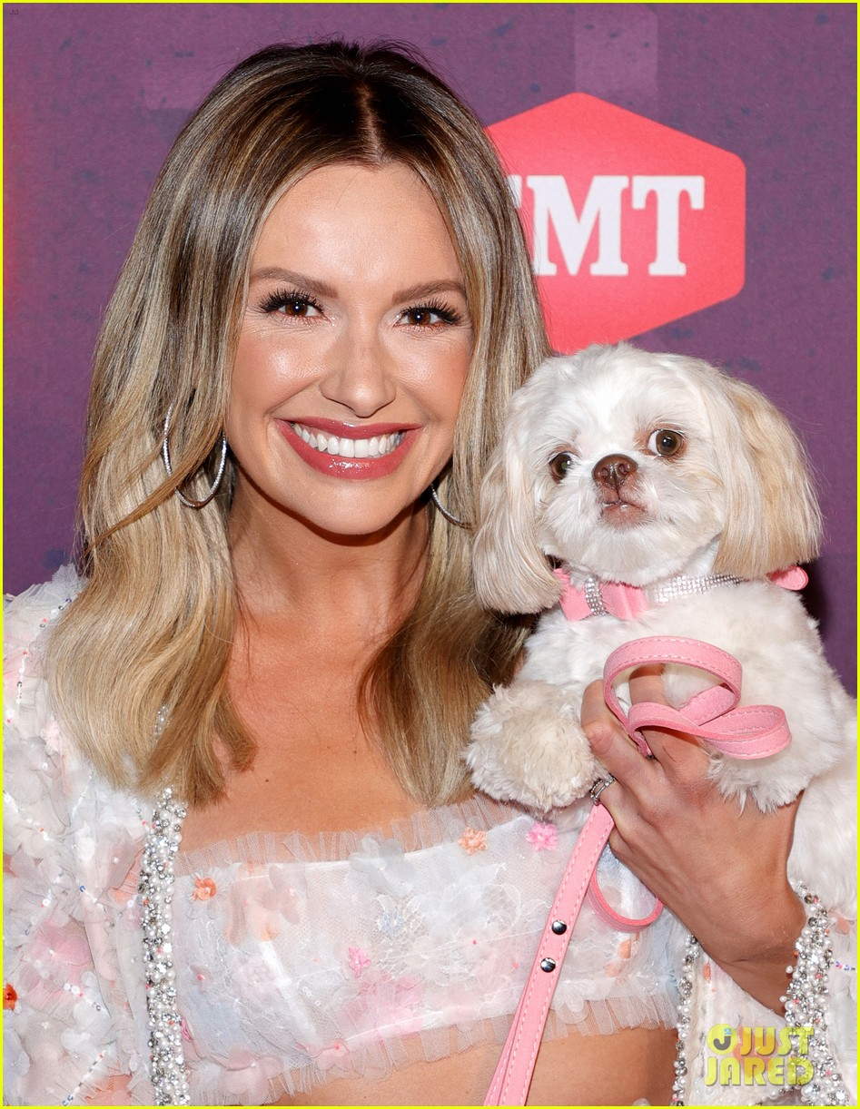 carly pearce lindsay ell tenille arts cmt awards 034566878