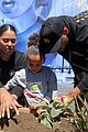 stephen curry ayesha curry give back 17