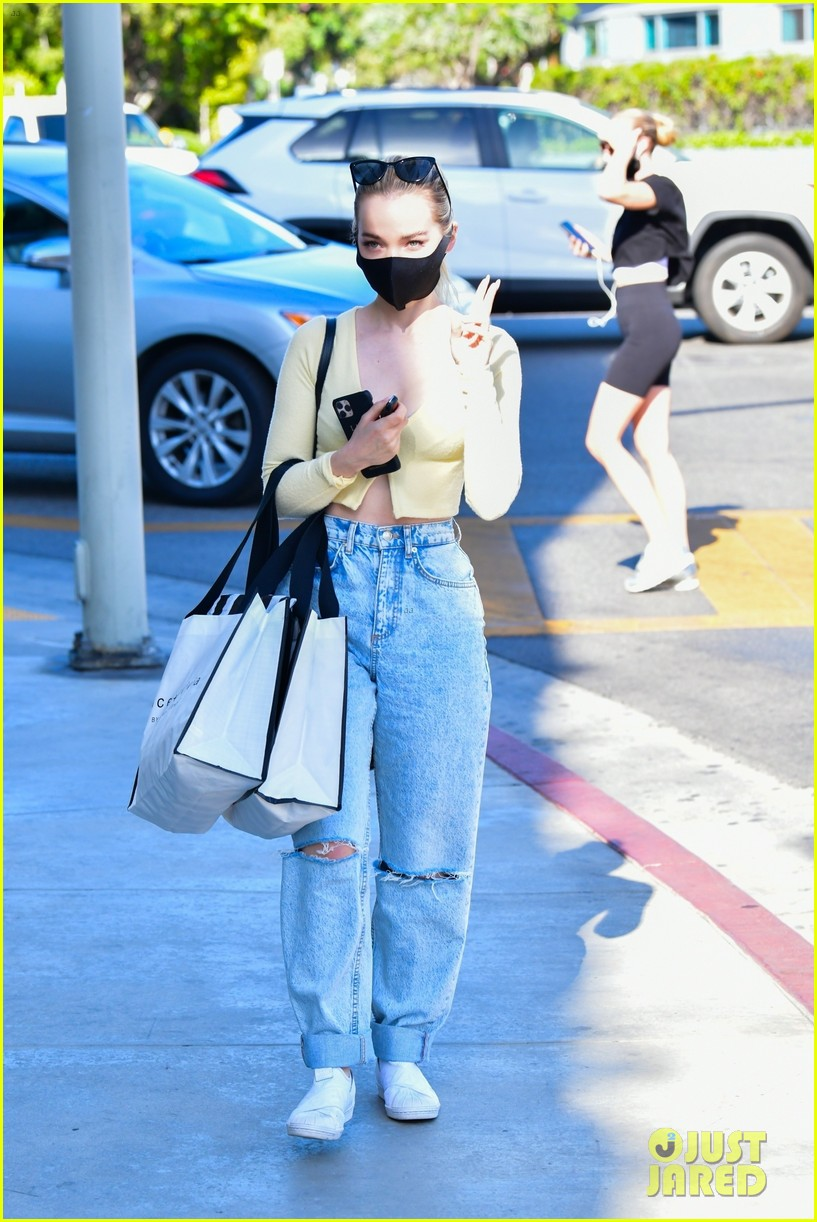 dove cameron kicks off her weekend with shopping trip 014570158