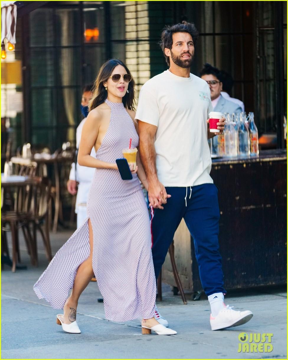 eiza gonzalez boyfriend paul rabil in new york 05