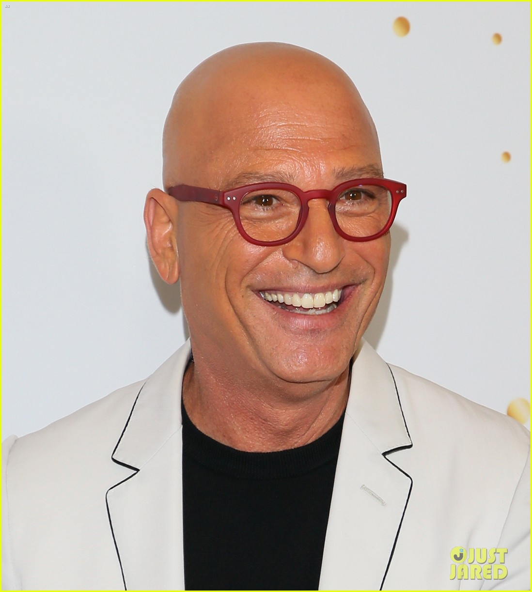 howie madel second vaccine shot 014567987