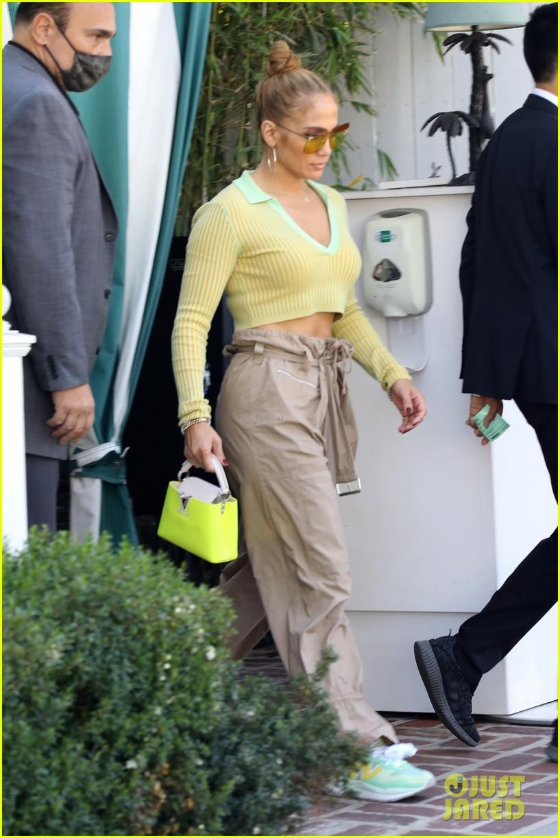 jennifer lopez spotted back in la ben affleck seen leaving her house 014568764