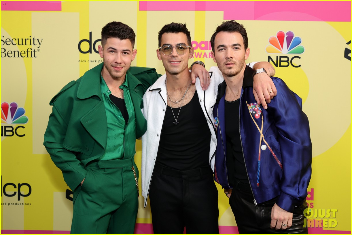 jonas brothers share new details in new excerpts from upcoming memoir blood 024566668