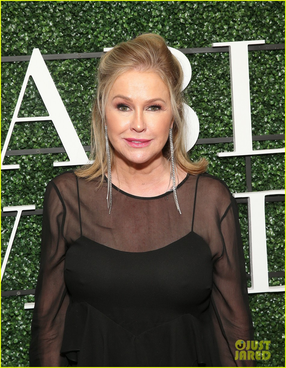 kathy hilton says she wont ever hold a diamond on real housewives 044571666