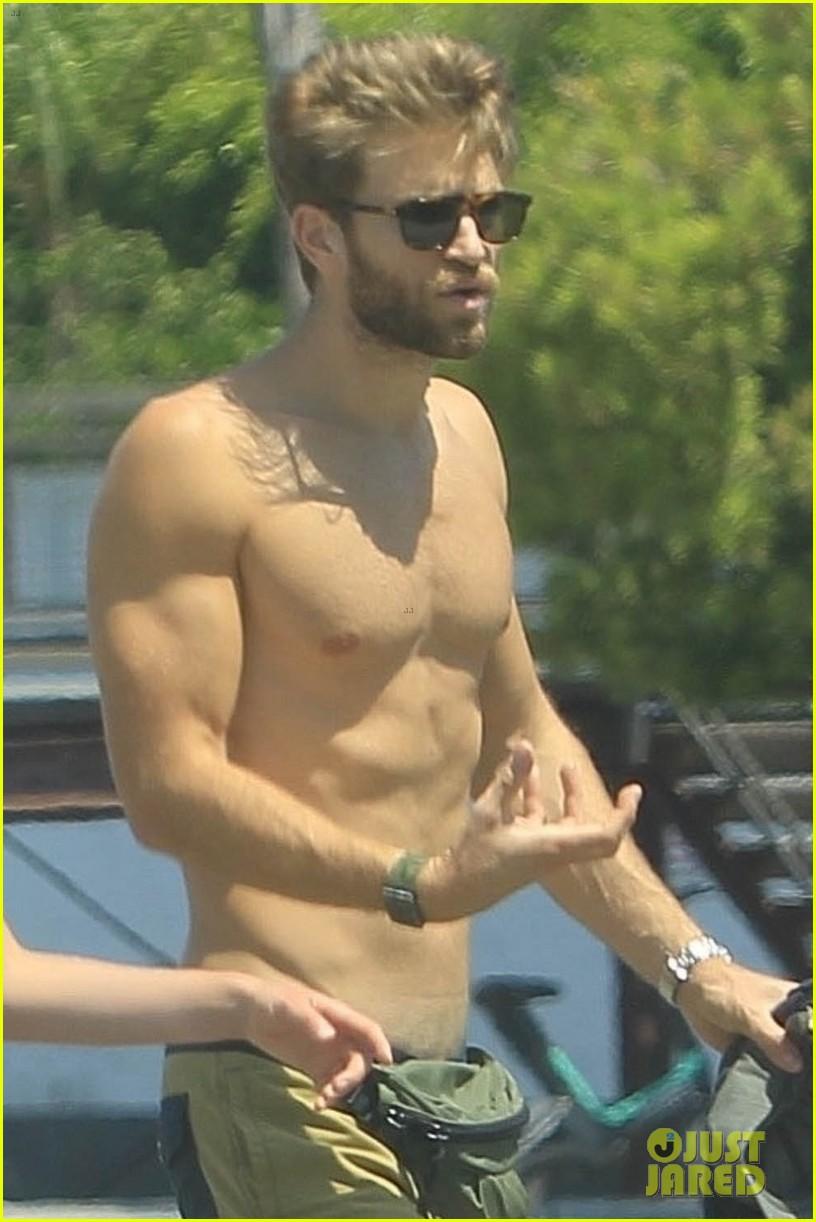 keegan allen goes shirtless on walk with girlfriend 014579079