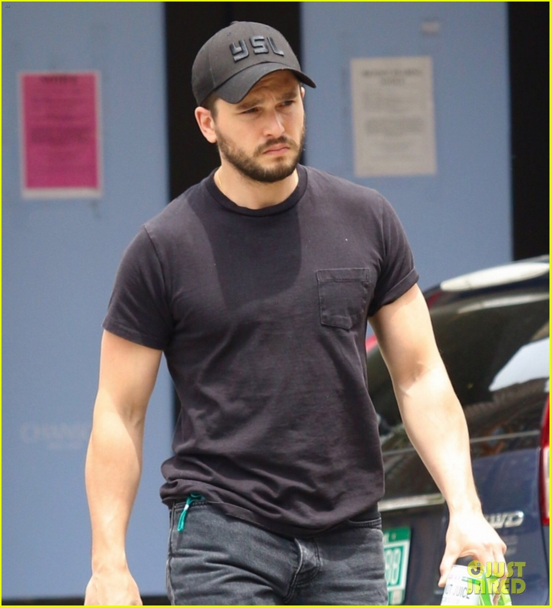 kit harington spotted in nyc 044562854
