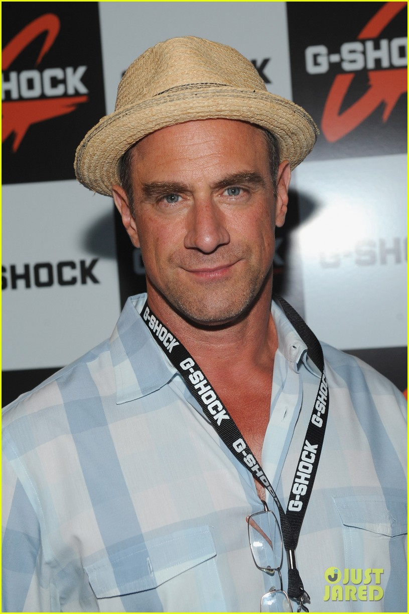 christopher meloni shares his thoughts on being called zaddy 034569797