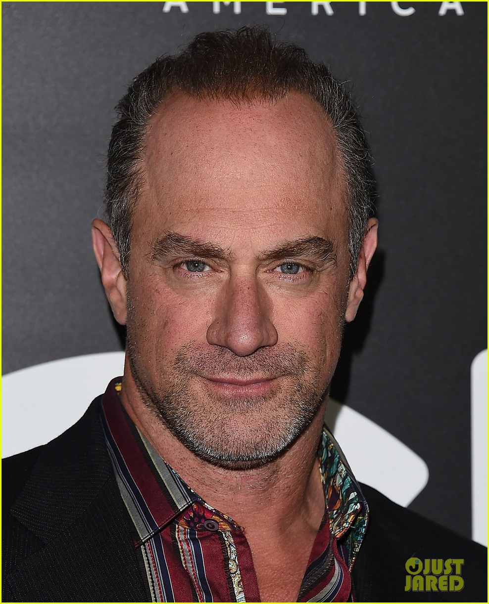christopher meloni shares his thoughts on being called zaddy 114569805