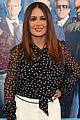 salma hayek grabs popcorn after hitman wife premiere 02