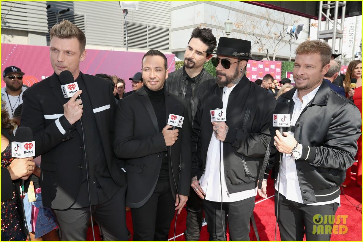 backstreet boys returning to vegas for christmas show 024587177