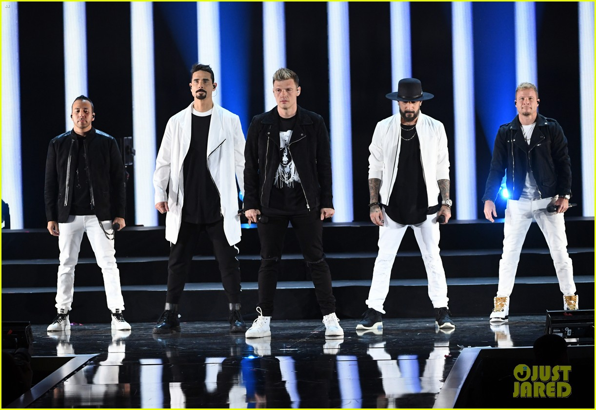backstreet boys returning to vegas for christmas show 064587181