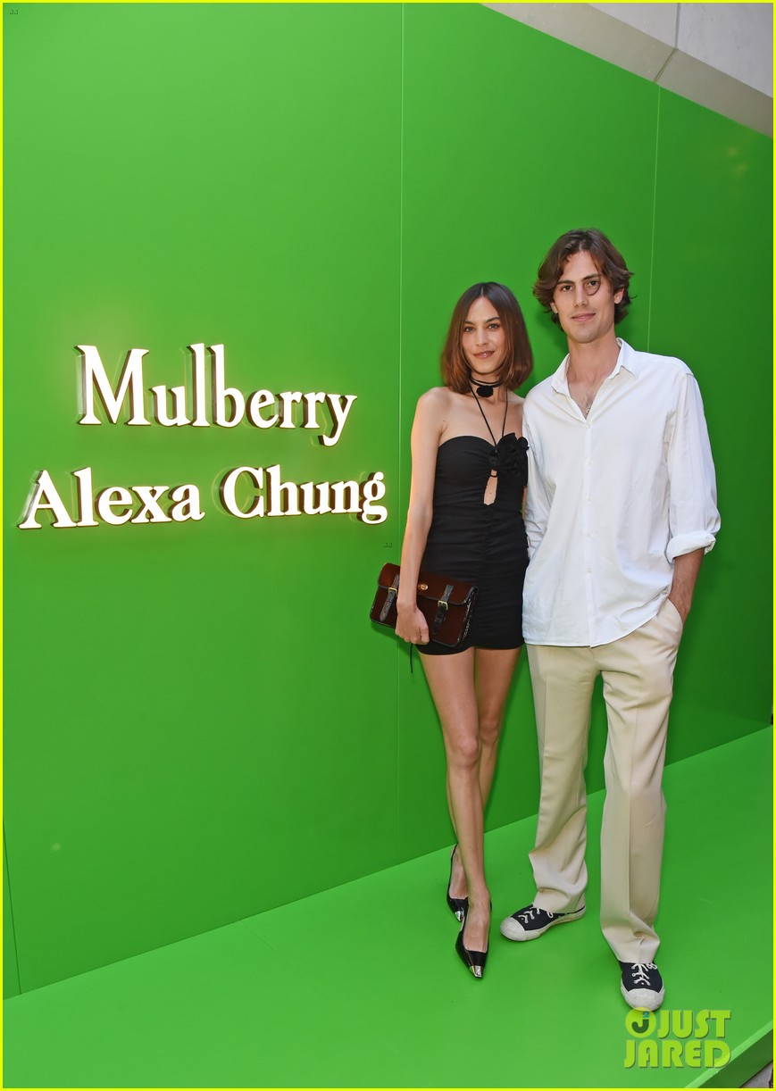 alexa chung with boyfriend orson fry at mulberry event 014593544