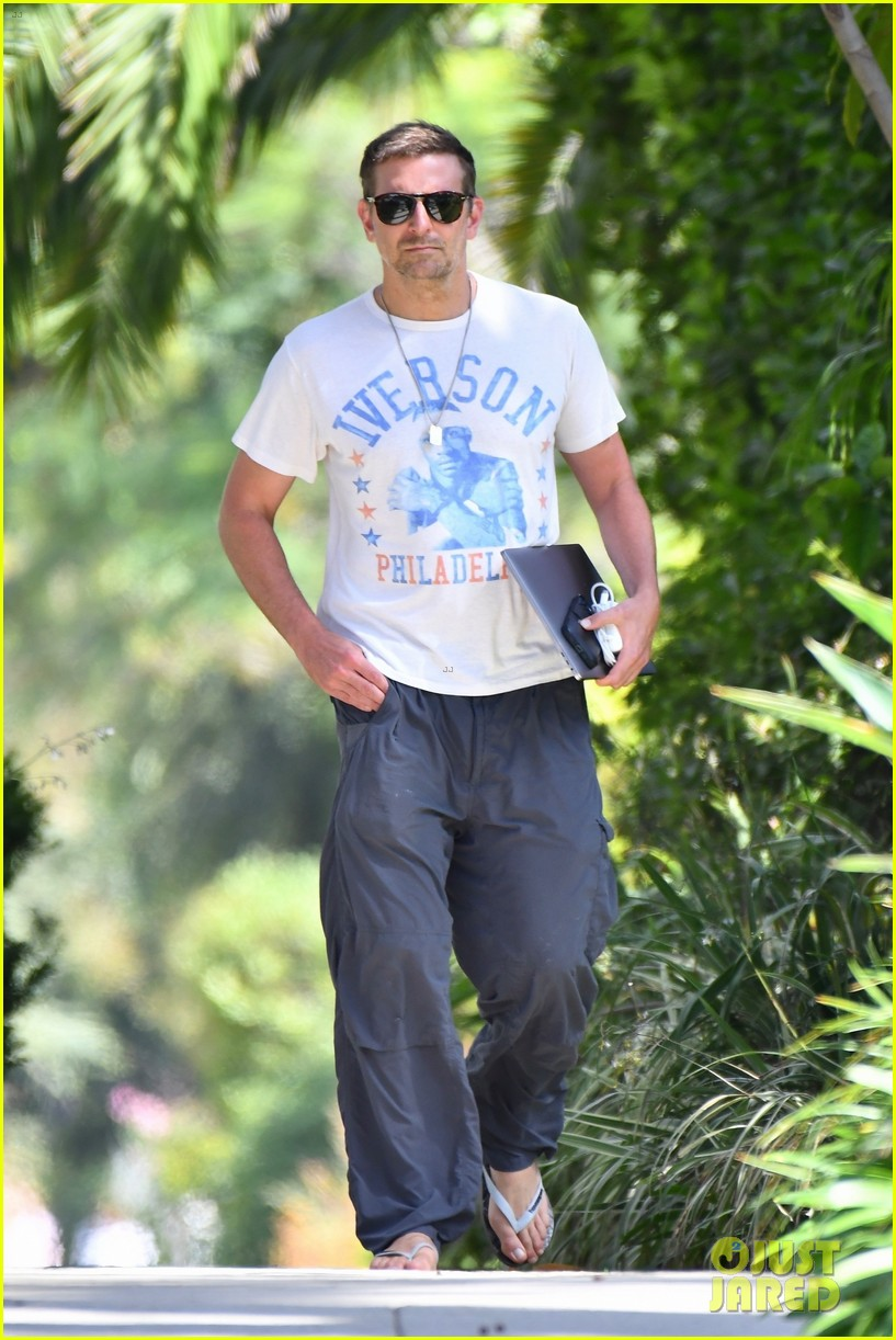 bradley cooper heads to friends house for afternoon meeting 054593581