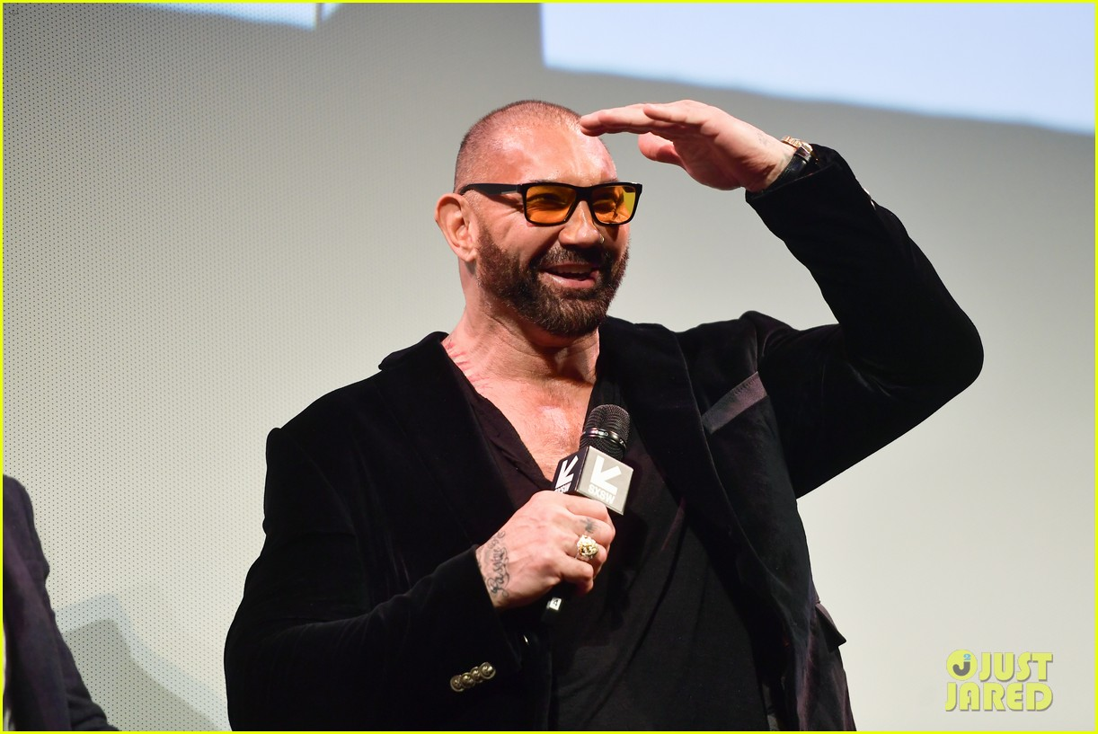 dave bautista reacts to scarlet johansson lawsuit 034598158