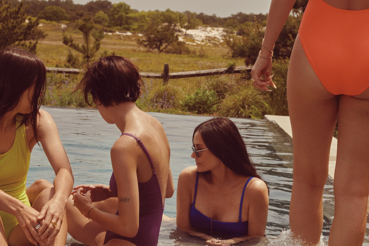 demi moore rumer tallulah scout willis angie swim campaign 14