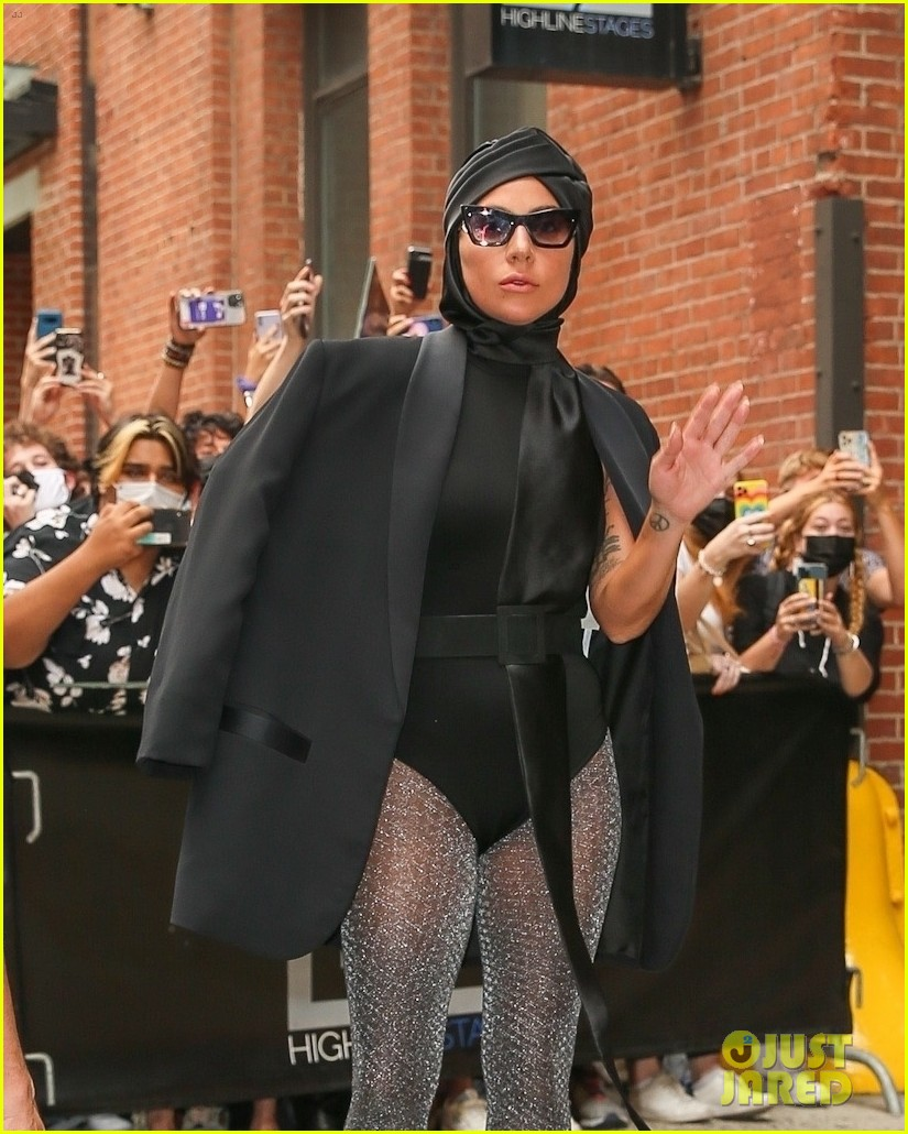 lady gaga slays nyc in two super chic looks 014596721