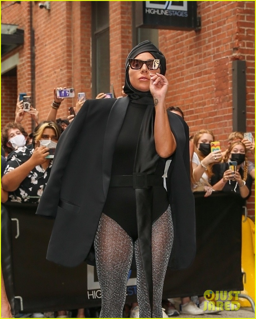 lady gaga slays nyc in two super chic looks 084596728