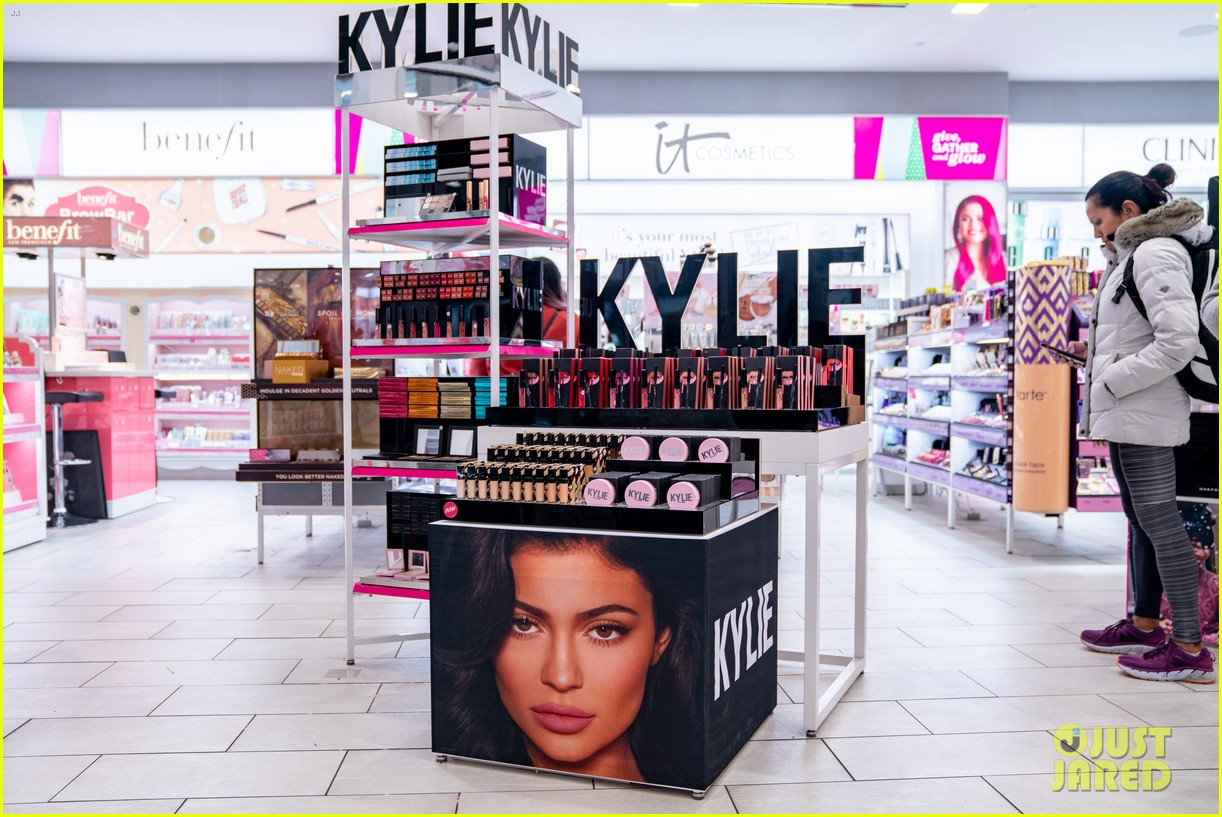 kylie jenner products 024588848