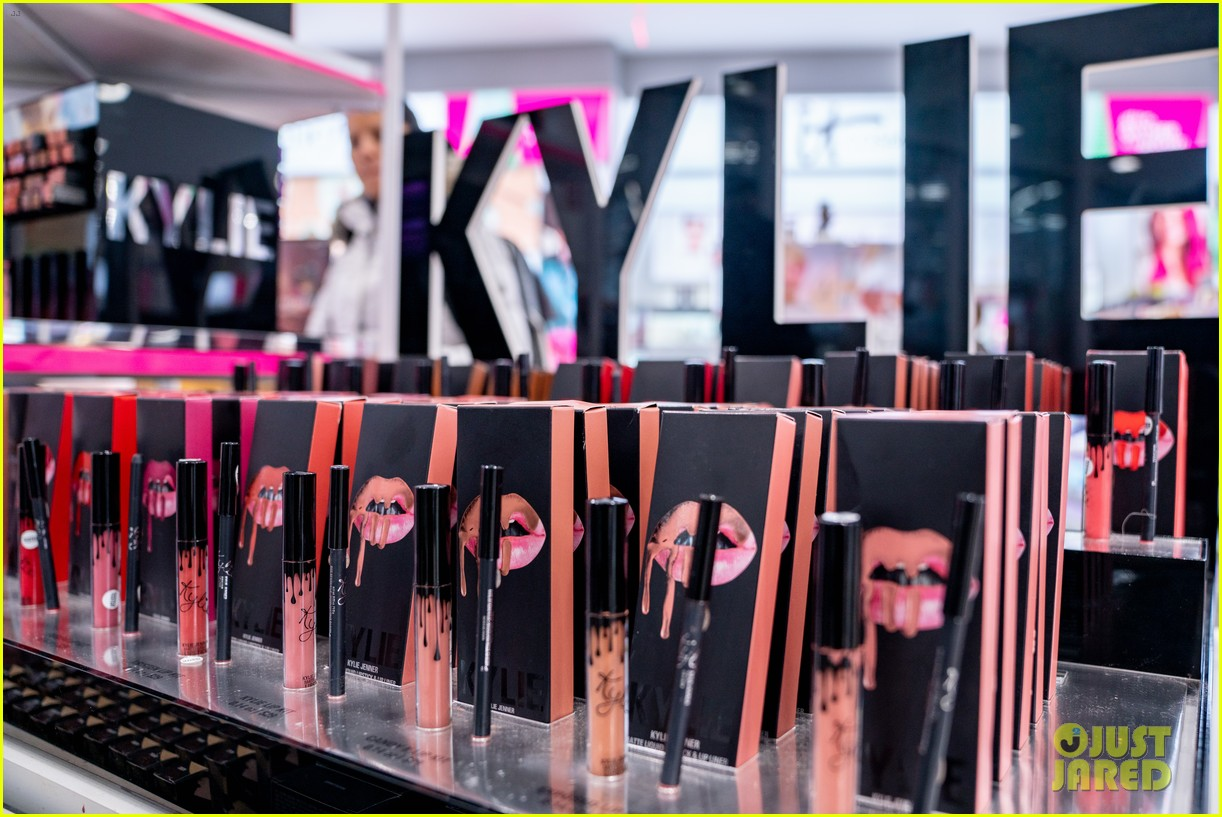 kylie jenner products 044588850