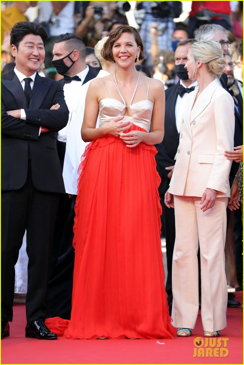 maggie gyllenhaal cannes film festival jury closing ceremony 054590757