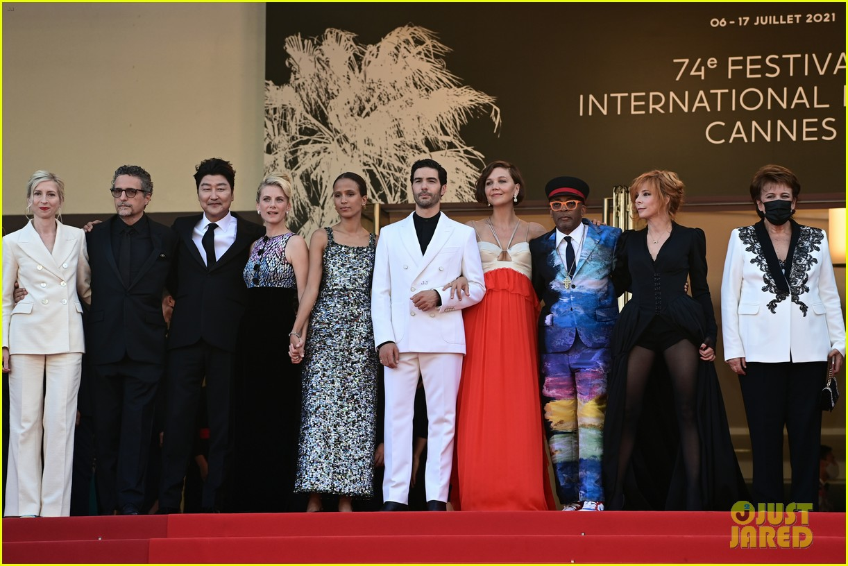 maggie gyllenhaal cannes film festival jury closing ceremony 284590780