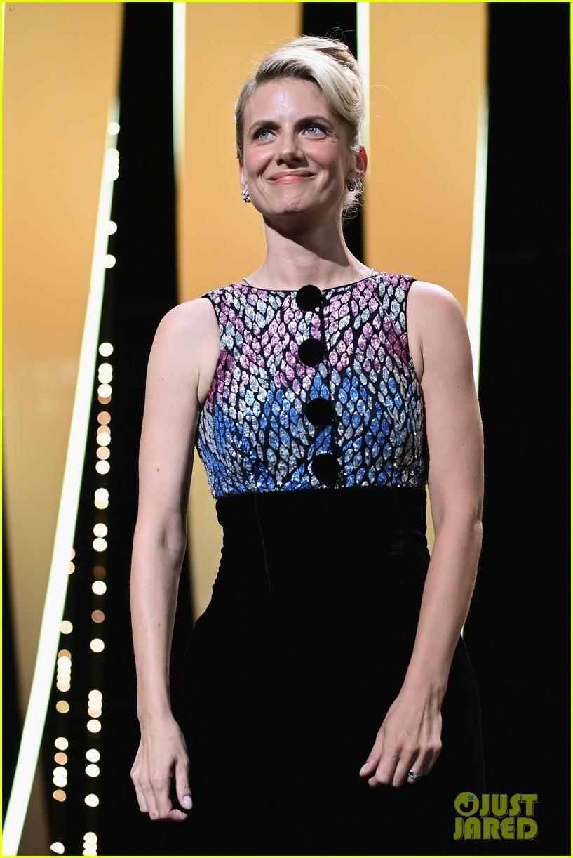 maggie gyllenhaal cannes film festival jury closing ceremony 384590790