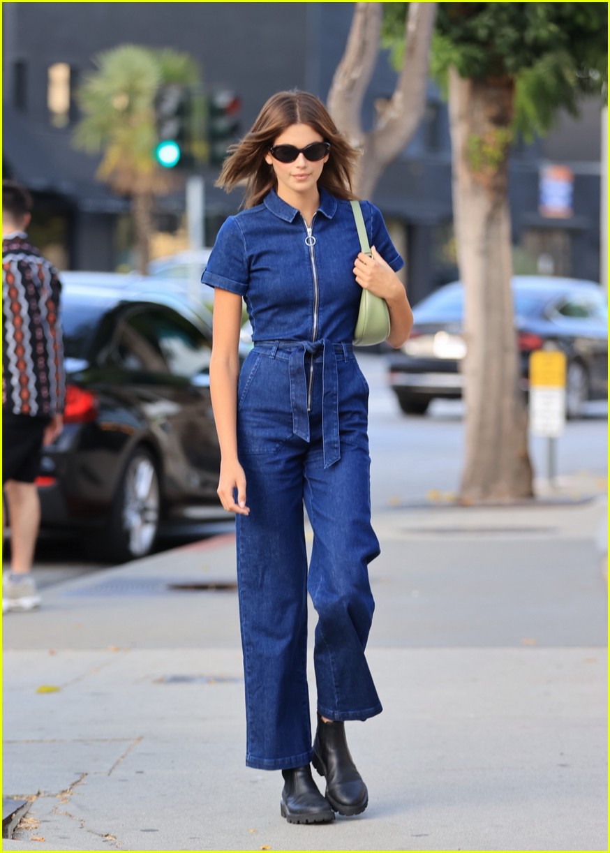 Kaia Gerber Rocks Denim Jumpsuit for Dinner with Friends: Photo 4586800   Kaia  Gerber Pictures   Just Jared