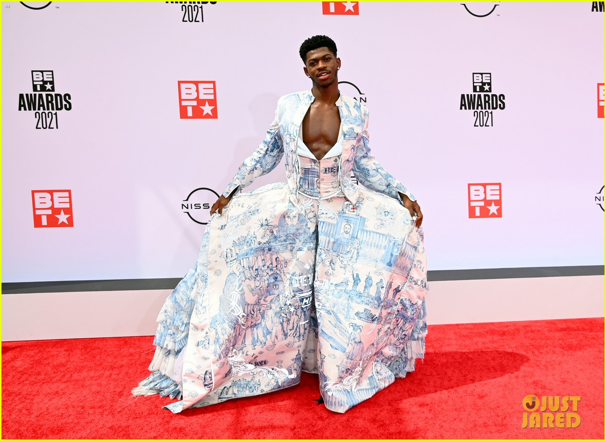 lil nas x bet awards red carpet toile dress 014596591