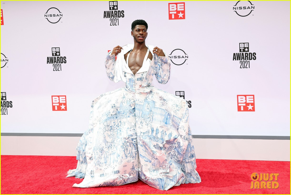 lil nas x bet awards red carpet toile dress 074596597