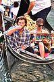 jared padalecki genevieve gondola ride in venice 01