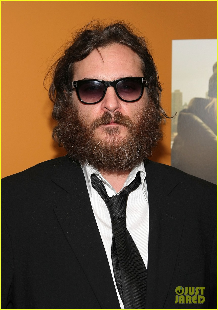 joaquin phoenix nearly unrecognizable on disappointment blvd set 024596744
