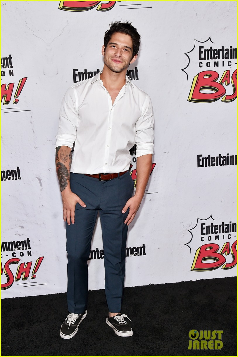 tyler posey comes out as queer 024580816