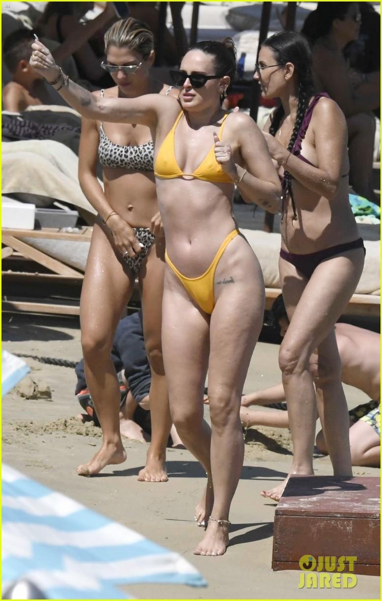demi moore daughter rumer willis bare bikini bods in mykonos 074588514