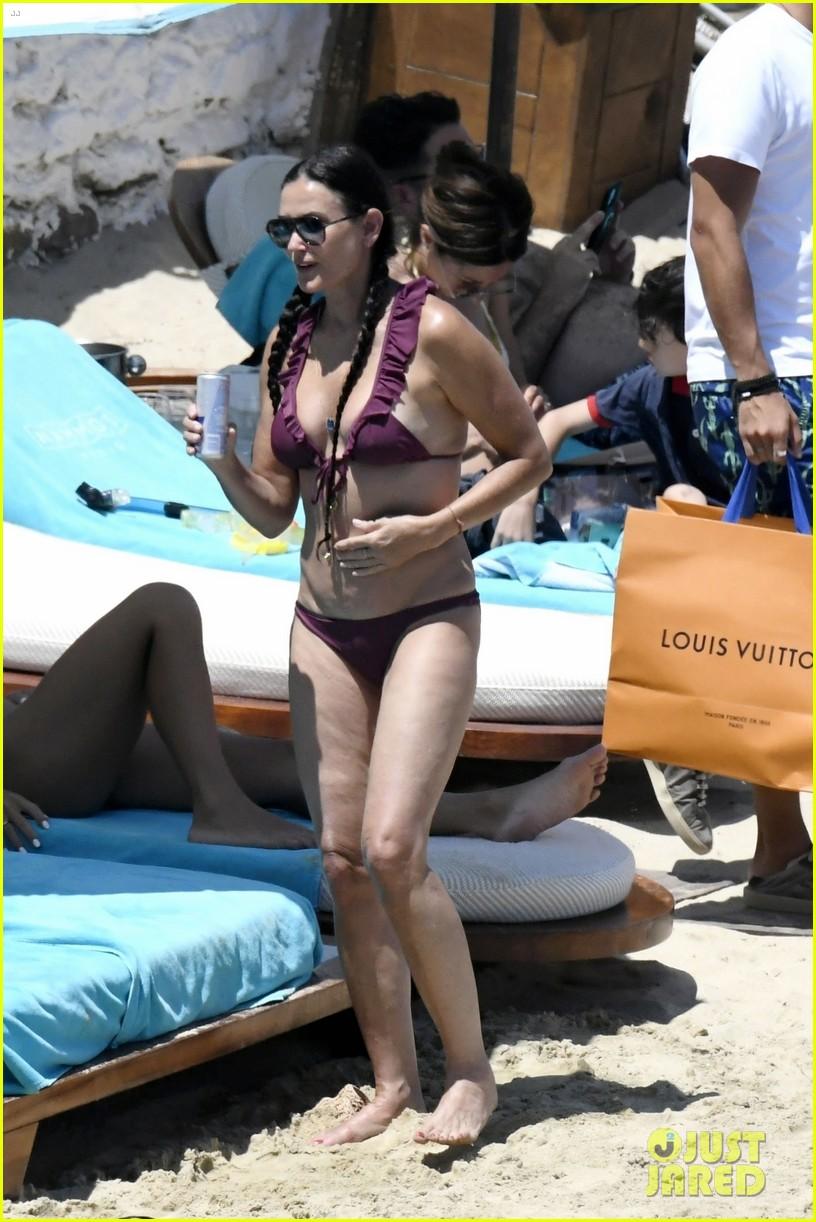 demi moore daughter rumer willis bare bikini bods in mykonos 094588516