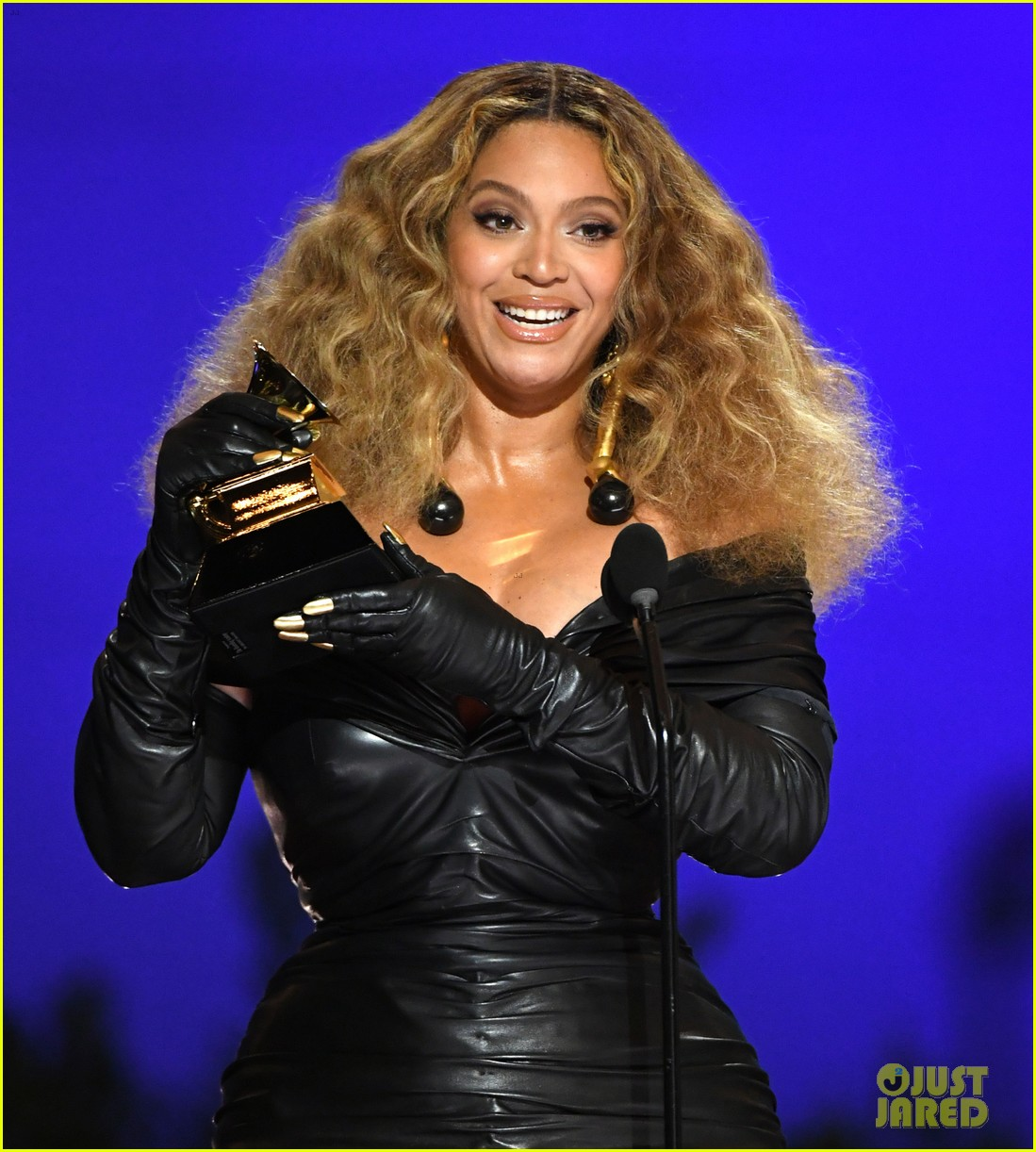 beyonce raising bees on home property 034603275