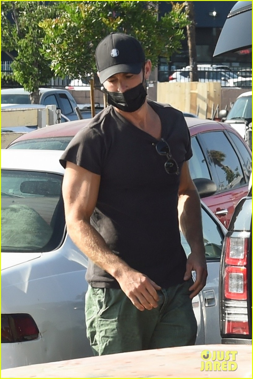 chace crawford picks up grill trip to home depot 024607698