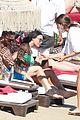 david guetta beach pda with girlfriend jessica ledon 06