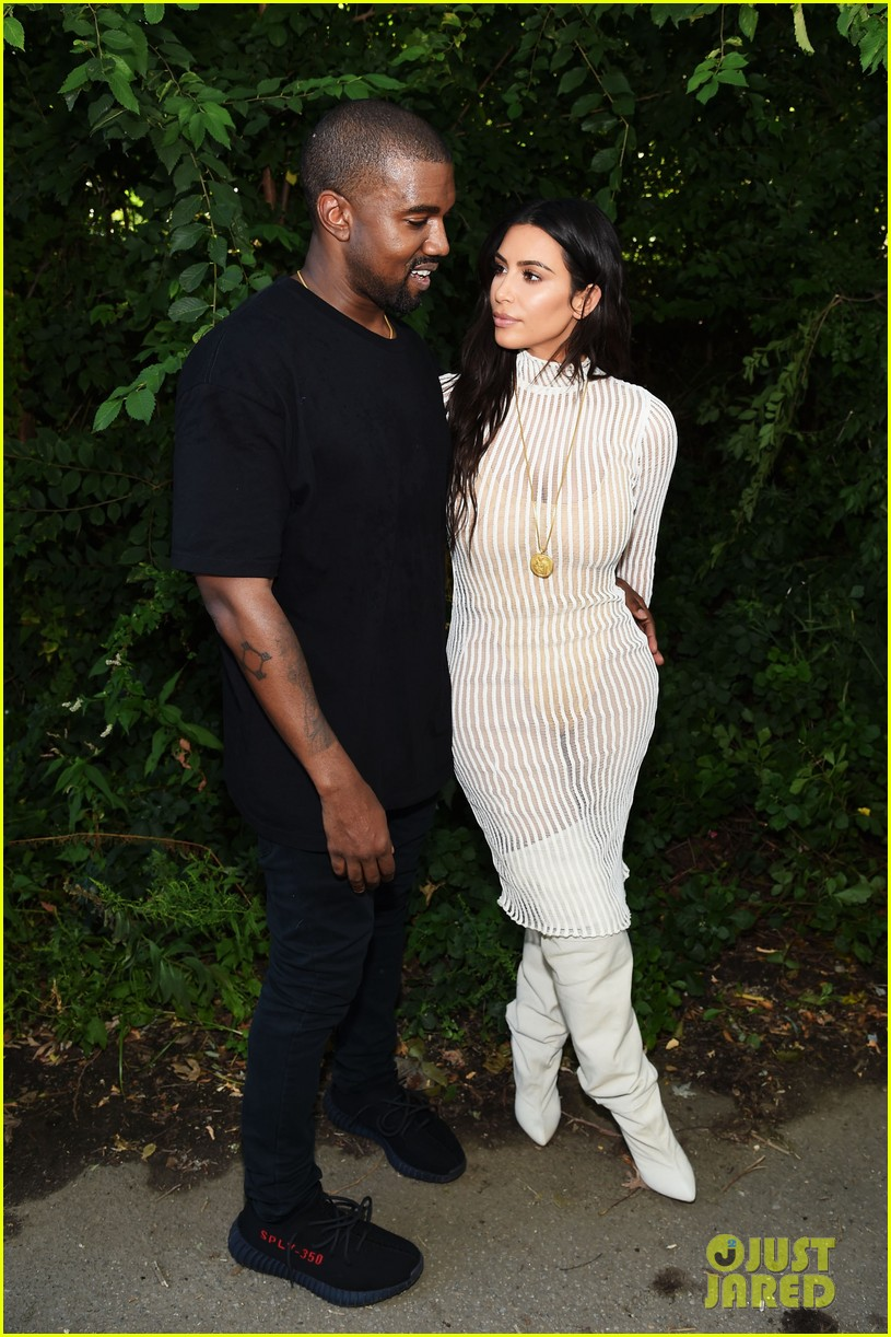 kim kardashian reunites kanye west family outing 014612180