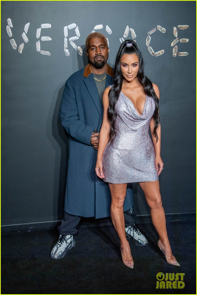 kim kardashian reunites kanye west family outing 034612182