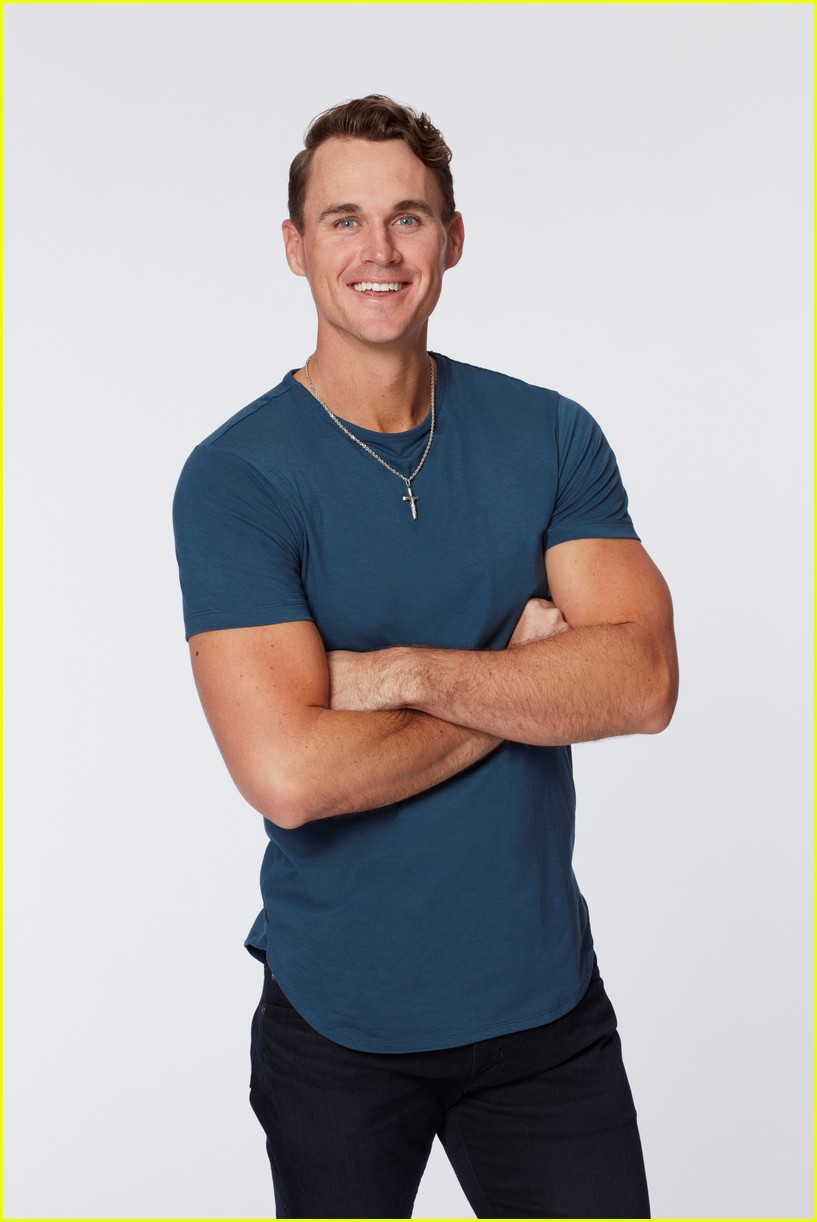 the bachelorette mike planeta on being a virgin 024599186