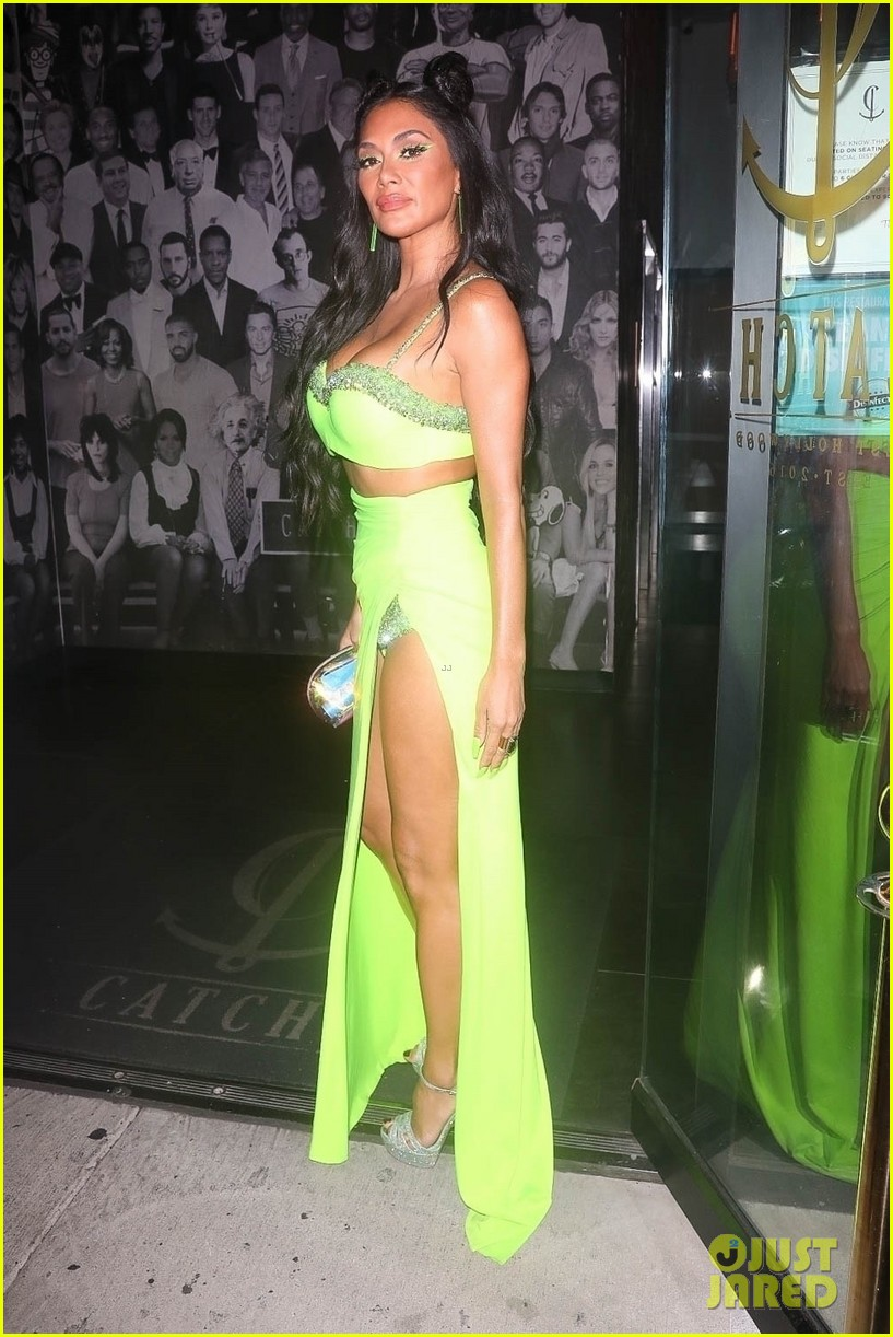 nicole scherzinger rocks neon green outfit for night out 054598603