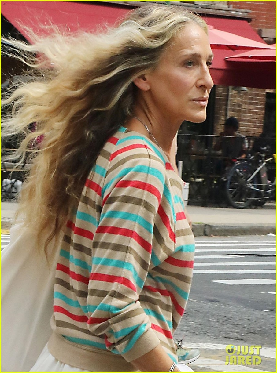 sarah jessica parker striped sweater white dress and just like that 044611522
